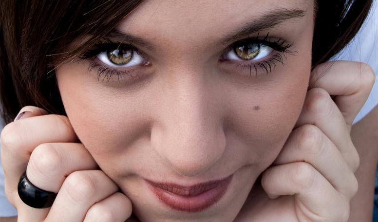Как ухаживать за глазами, ресницами и бровями