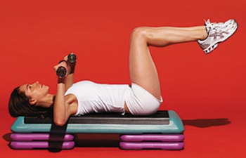 Упражнение - жим от груди с опусканием ноги